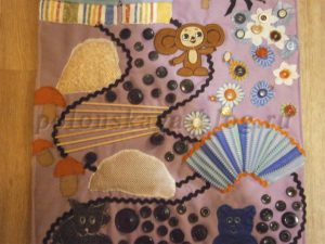 Массажный коврик из пуговиц для ребенка своими руками.