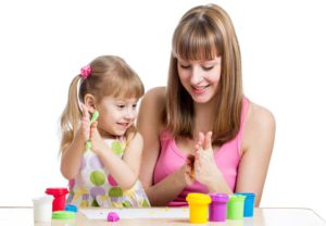 мама с ребенком занимаются