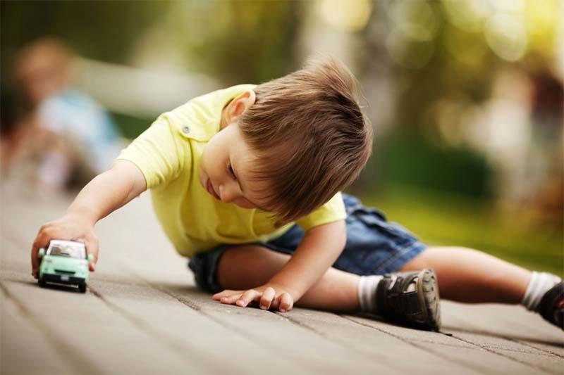 как приучить играть ребенка?