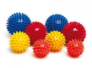 Очень полезный массаж ручек с мячиком для детей.