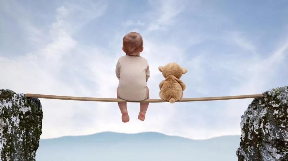 ребенок над страхами