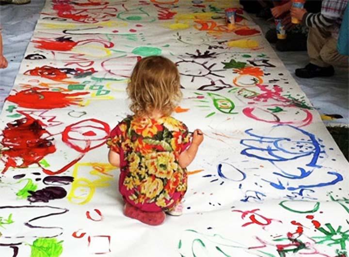 дети рисуют любимым цветом
